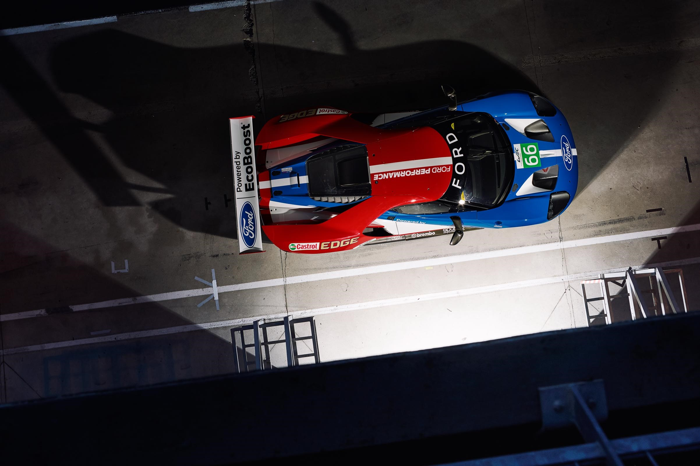 AH Ford GT above