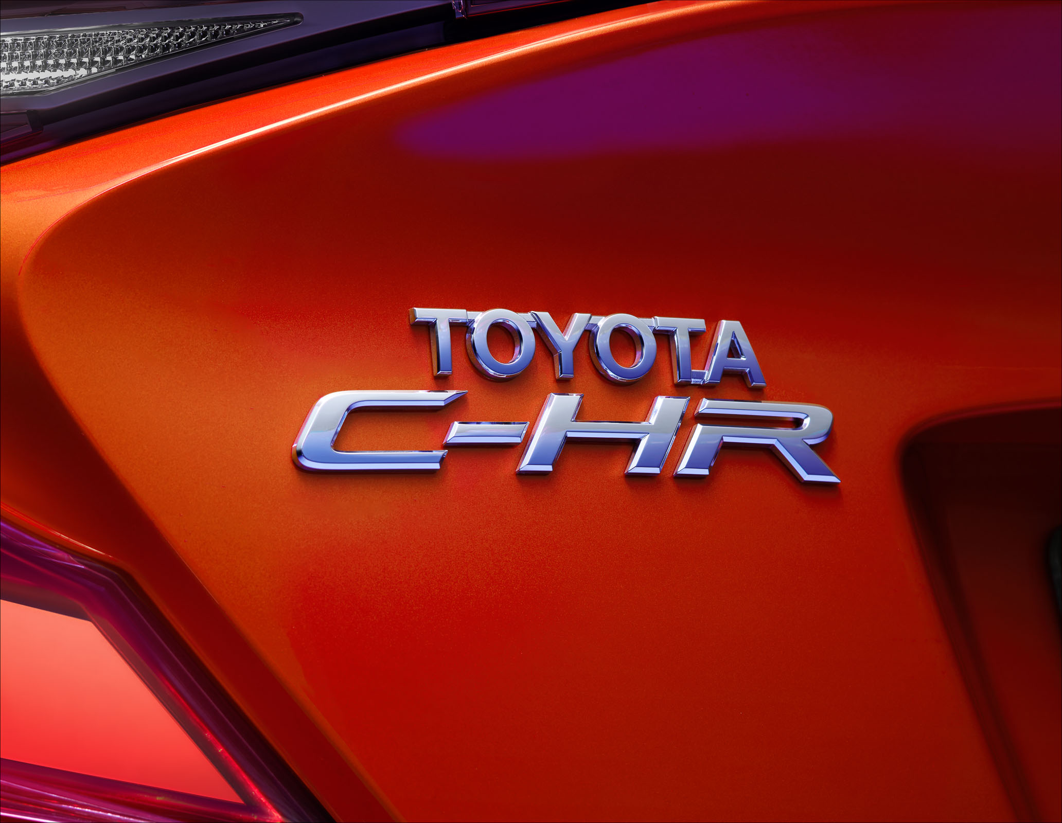 Toyota_CHR_HybridBadge_2_V03copy